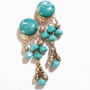 VINTAGE CLIP ON EXAGGERATED STATEMENT EARRINGS